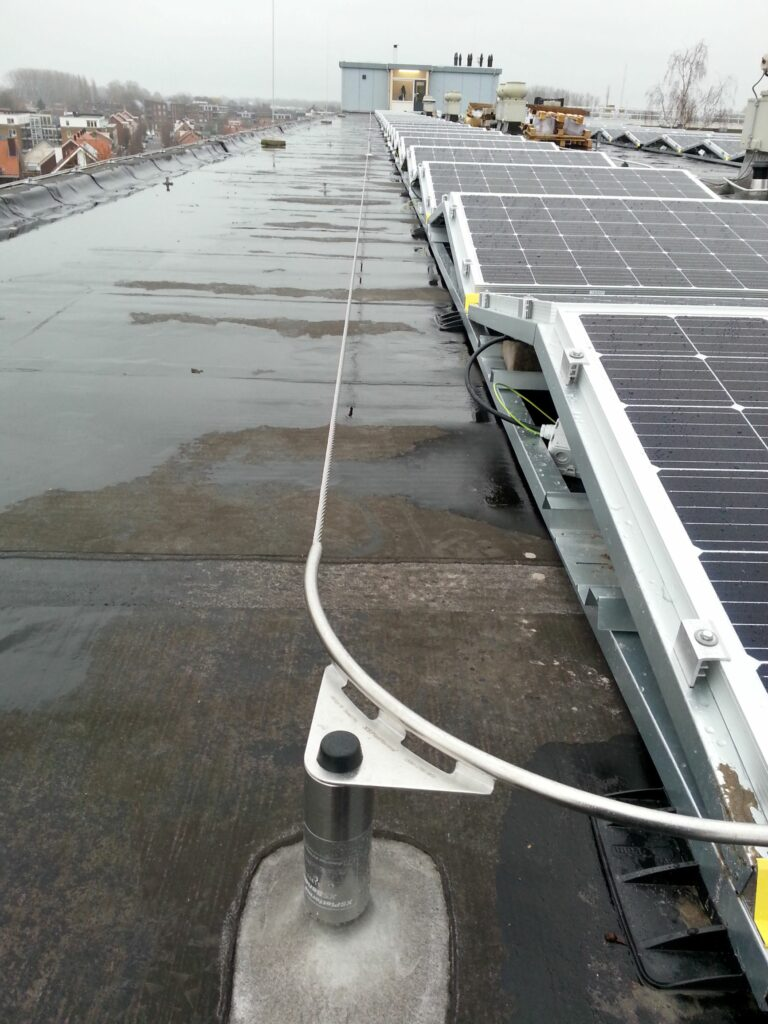 Zonnepanelen en valbeveiliging